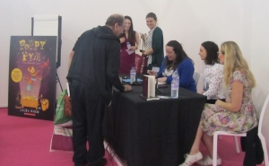 Laura Wood signing, Poppy Pym and the Pharaohs Curse